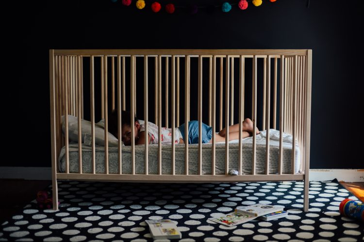 TODDLER-IN-A-CRIB-2253894